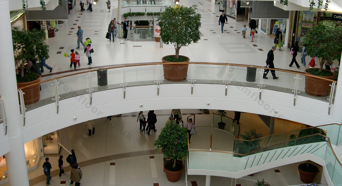 braehead shopping centre showing both floors and staircase